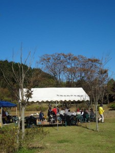快晴の元のテント